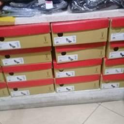 Lote de calçados completo