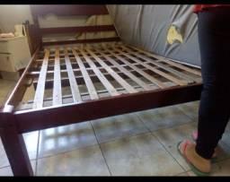 BARBADA: Cama de casal madeira maciça Itaúba preço de desapego (OPORTUNIDADE)(ITAJAÍ)