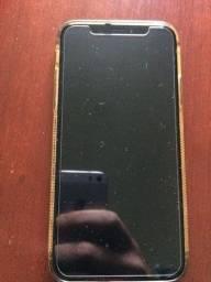 Iphone X 64 gb com acessórios originais (fone e carregador)