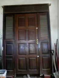 Vende - se porta Jatobá