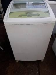 Máquina de lavar da Brastemp 6 kg funcionando