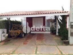 Casa de condomínio para alugar com 3 dormitórios cod:604240