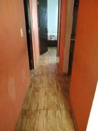 Vendo casa toda na cerâmica, murada com quintal grande dois quartos sala e cozinha.