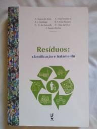 Livro sobre Resíduos em perfeito estado