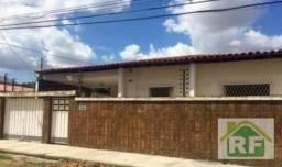Casa com 3 dormitórios para alugar por R$ 2.000,00 - São Pedro - Teresina/PI