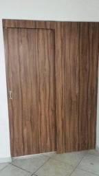 Painel e porta de correr de madeira + Guarnições - Em ótimo estado
