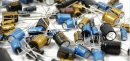 Capacitor: eletrolítico, cerâmico, tântalo, poliéster, SMD. Envio todo Brasil