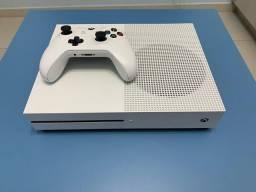 Xbox one s + 3 Jogos originais e Brinde