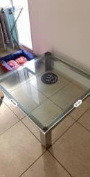 Mesa de centro Inox e vidro.