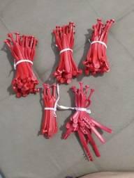 Tiras vermelhas