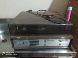 Rádio antigo toca disco