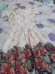 3 vestidos e três saias de brinde