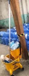 Balde de limpeza com refil mopi, usado