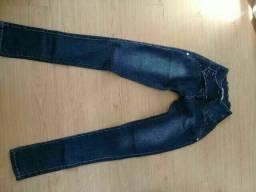 Vendo duas calças jeans nova tamanho 34
