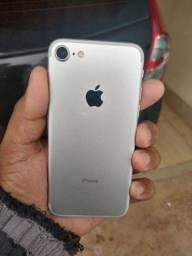 iPhone 7 com 32GB em muito bom estado em Android leia anúncio