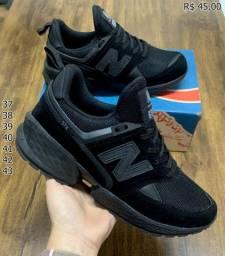 Tênis Adidas e mais