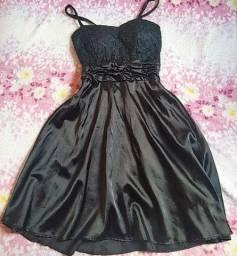 Vestido preto curto cetim