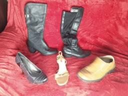 Roupas e sapatos seminovos