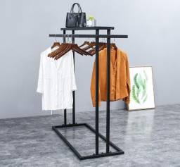 Cabideiro | Expositor de roupas e acessórios