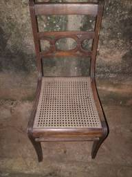 Cadeira madeira maciça legitima 2 cadeiras por 100 reais