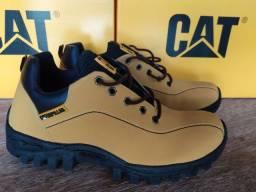 Tenis CAT caterpillar Novo - numero 41 amarelo