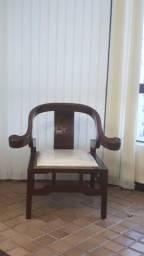 Cadeira em Mogno acolchoada
