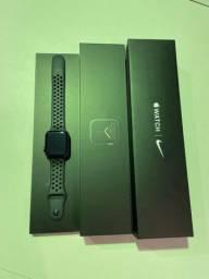 Apple Watch Serie 5 44 MM na garantia da Apple até outubro de 2021