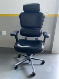 Cadeira Presidente Ergohuman V1 em couro natural