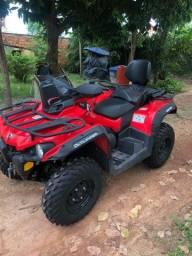 Quadriciclo Can-am outlander 570 max, zero zero