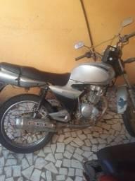 Vendo moto pra Roça