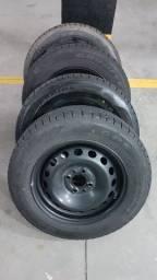 Rodas e pneus 185/65/14.