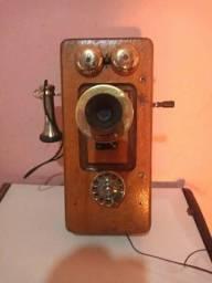 Telefone Antigo de madeira
