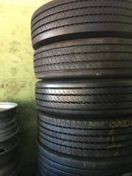 Pneu recapado: Vendo pneus recapados para caminhão