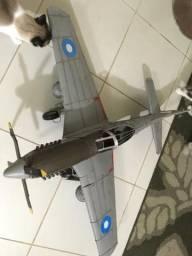Avião ornamental de metal
