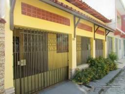 Alugo casa na Barão do Triunfo 3/4 sendo um suíte