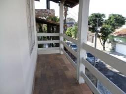 Casa de três quartos no bairro Dona Clara