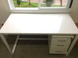 Mesa para escritório com gaveteiro, personalizado com metal e madeira