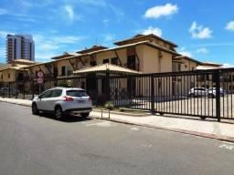 COD 576 - Casa De 4/4 Com Suíte, Armários, Dependência E Duas Garagens Em Jaguaribe