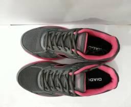 Sapato novo para esportes
