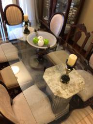 Mesa de sala de jantar com tampo em vidro e pés de mármore maciço travertino