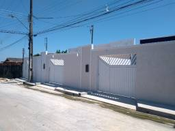 Casa em via pública, a pronta entrega, 2 quartos+quintal. Próx ao Atack da Max Teixeira