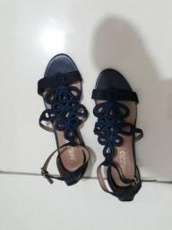 Sapatos Arezzo novos 60 reais cada