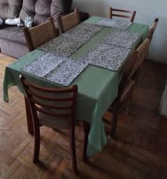 Mesa de madeira + 6x Cadeiras