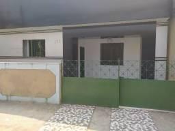 Aluga-se casa grande na Rua Santos Molinário, 124 Centro - Nilópolis/RJ