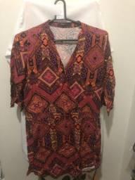 Vestidos e Camiseta