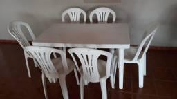 Vende- se mesas
