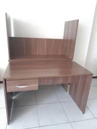 Mesas e cadeiras para escritório  semi- novas