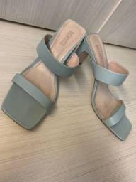 Sandália de couro Schutz