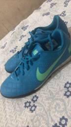 Chuteira Nike - Nova