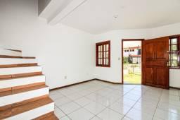 Belíssima casa, com 3 quartos e 1 banheiro